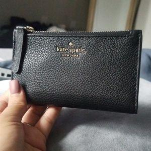 Kate Spade small pebble bi fold wallet